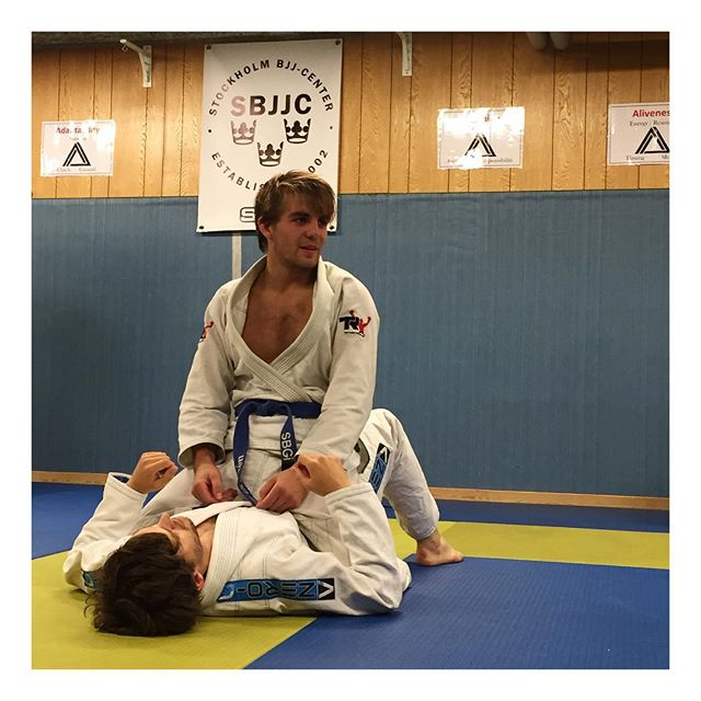Showing of this weeks topic #Mount#Bjj #SBGi #stockholmbjjcenter
